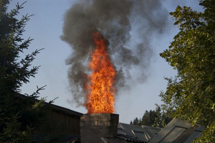 Gravenhurst Fire Dept Fights Chimney Fire