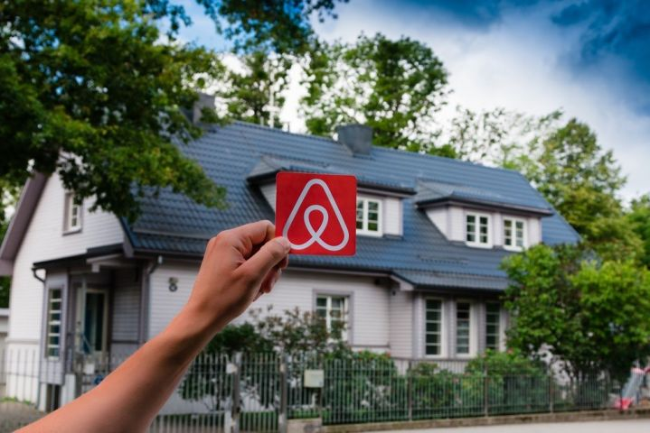 Airbnb Operators In Huntsville Watch For New Licencing & Tax Requirements