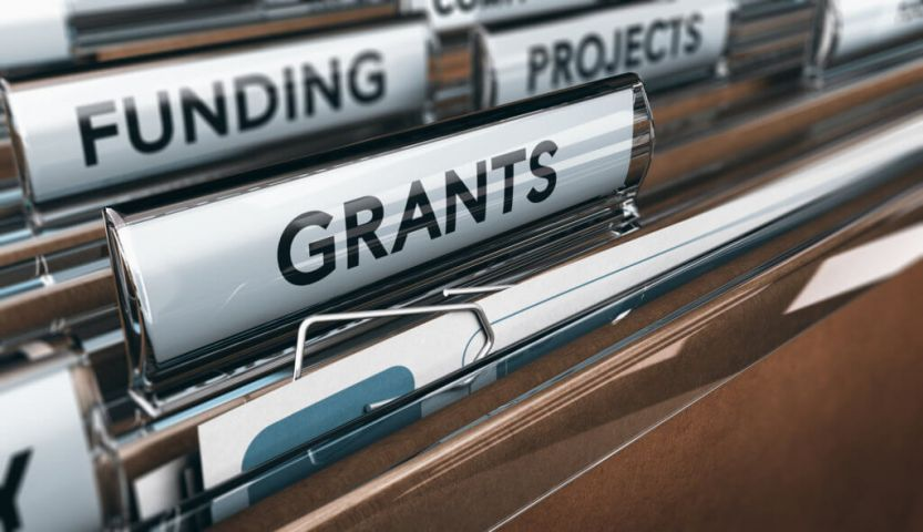 Feds Offer Up To $100,000 in Grants To Women Entrepreneurs