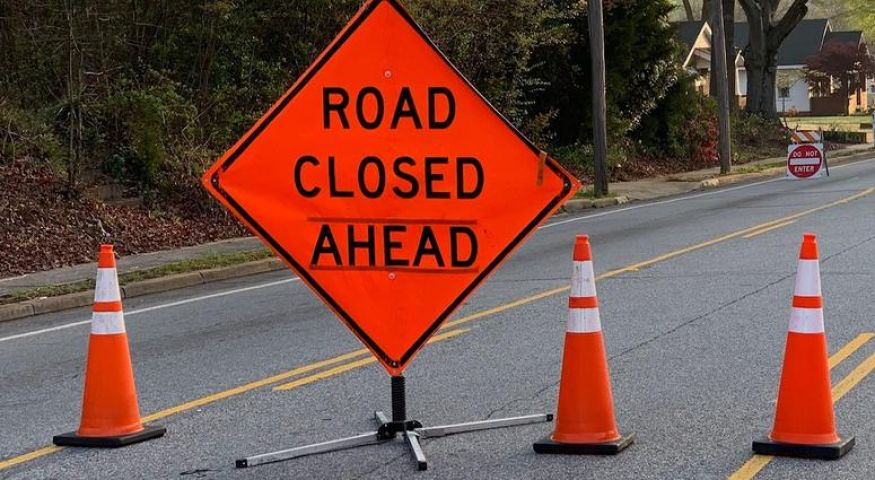 Aspdin Road Closed on Thursday At Rail Crossing