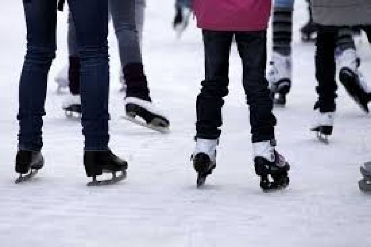 Public Skating Returns in Gravenhurst